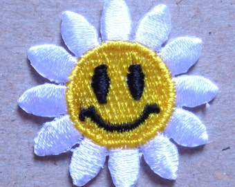 Embroidered Iron-On Applique Smiley Daisy
