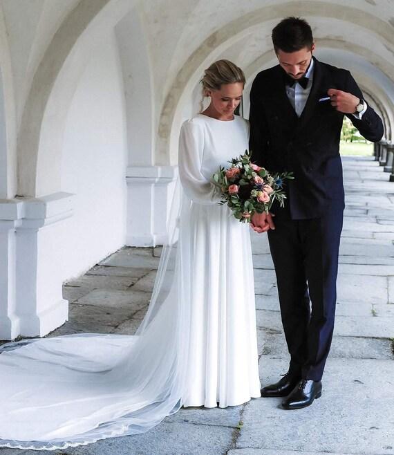 Modest wedding dress Long Sleeve Wedding Dress Bridal Gown