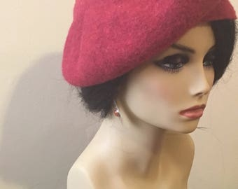 """100% wool Red Beret adorned with African """"Baoule"""" weight"""