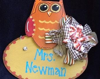 Owl door sign, teacher door hanger, back to school, welcome door sign, classroom door sign, learning is a hoot, reading door sign,
