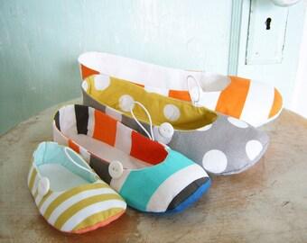 SALE Shoe Sewing Pattern - PDF - Vintage Flair flats sizes newborn to women's size 11