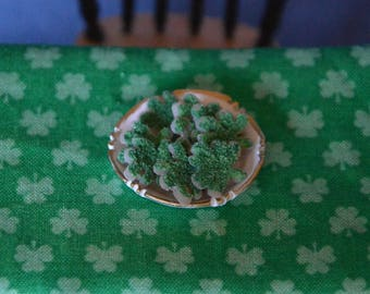 Dollhouse Miniature Food - One Inch Scale St. Patrick's Day Sprinkle Cookies - Shamrocks - On Plate - Removable