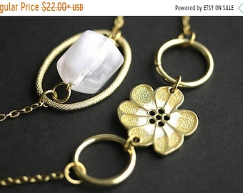 SUMMER SALE Eyeglass Chain or Badge Necklace. Flower Lanyard. Gold and White Eyeglass Holder. Gold Lanyard. Eyeglass Necklace. Beaded Lanyar
