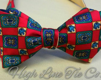 Vintage bow tie.One-of-a-kind bow tie.Red bow tie.Self-tie bow tie.Reversible bow tie