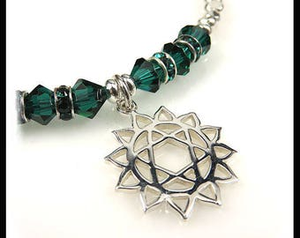 Heart Chakra Emerald crystal bracelet, Heart Chakra bracelet, Emerald jewelry, green jewelry, green chakra bracelet, heart chakra charm