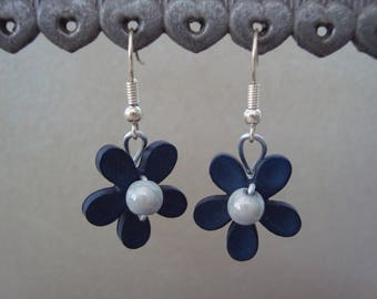 Gray flower dangle earrings