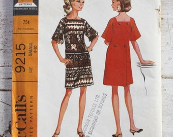 "1960s dress pattern / McCall's 9215 / 1960s shift dress / bell sleeves / bust 31.5-32.5"" / 1960s sewing pattern"