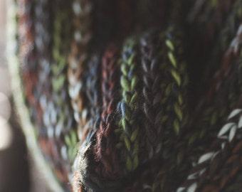 Camel Stitch Cowl--Facet Yarn--Multicolor