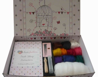 Heidifeathers VEGAN Needle Felting Kit
