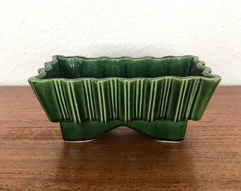 Upco Footed Plant Pot USA | Studio Pottery Planter
