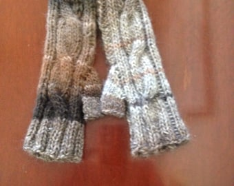 Knitted cable mitts