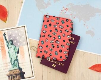 Porta passaporto con macchine fotografiche, salmone e nero - Vintage cameras passport cover, passport holder