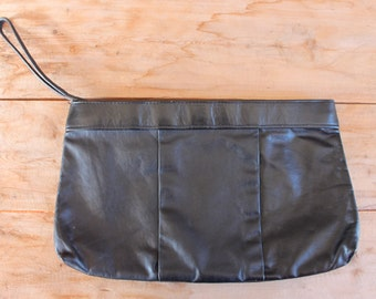 1980s handbag | black leather minimalist clutch