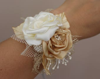 Wedding Corsage,Ivory gold flower Corsage,Ivory gold rose corsage,bridal Bridesmaid Corsage,Fabric Corsage bracelet,Prom Corsage,Pin Corsage
