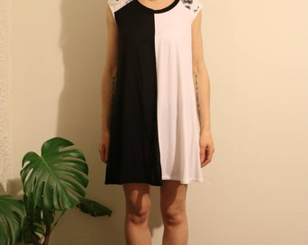 SALE! Yin Yang Dress - with pockets!