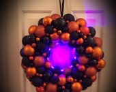 Halloween Wreath with Lig...