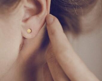 14 karat gold stud earrings