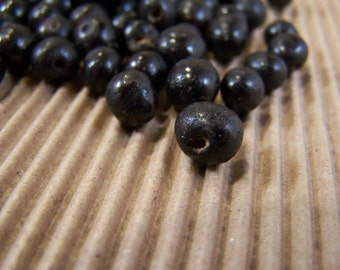 FREE SHIPPING - 50 pcs Natural Ebony Seeds (1402-1)
