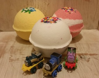 Scented Thomas the Train Surprise Toy Bath Bomb XL