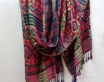 Rectangular scarf in viscose multicolor ethnic green and pink designs