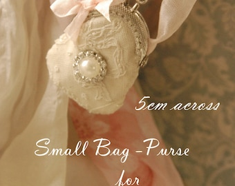 Small Coin Purse - Handmade by Charlotte and the fairies 5cm across