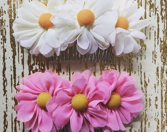 Daisy Comb in Ivory and Pink and warm yellow