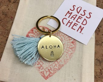 ALOHA | hand stamped brass tag with a colorful tassel | keychain | good luck charm * Hawaii * süssmädchen * USA * Vacation *
