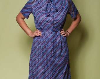 Vintage Blue STRIPED Button Up ASCOT Dress With Matching BELT /  70s Montgomery Ward Office Dress / Womens Large