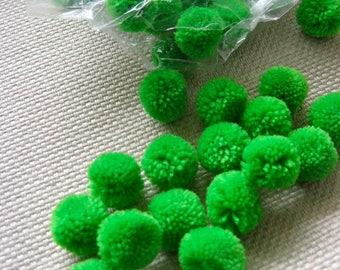 200,Pompom Balls 20mm Polypropylene Pompoms Fluffy Pom Pom Balls,Party Decoration,DIY Craft Supplies,Baby Toy Accessories