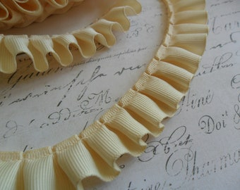7/8 inch wide Pleated Vanilla Bean Grosgrain Ribbon Ruffle