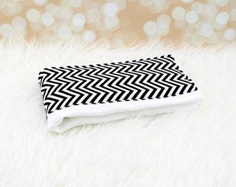 Baby Burp Cloth (Tiny Black Chevron Zigzag) ||| burp rag, baby burp cloths, burping rag, baby shower gift, baby gift, new baby gift