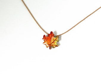 Maple leaf necklace, minimal autumn leaf pendant, small leaf pendant, minimal leaf necklace, fall leaf jewelry