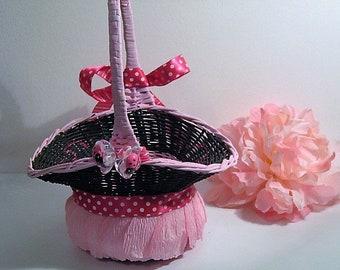 wedding, flower girl basket, pink black basket, crepe paper pedals, petal basket, lady bug accents,basket for flower girl, timelesspeony