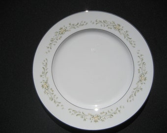 "A Sango China Debutante 10 5/8"" Dinner Plate Japan"