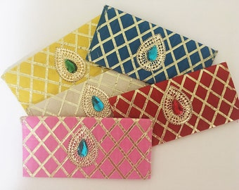 Set of 5 Gift Envelopes, Shagun Envelopes, Money holder, Purse for Weddings and other special occasions.