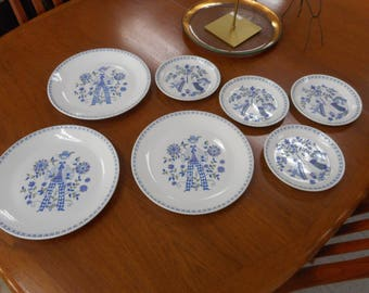Figgjo Lotte Dinnerware, 3 Dinner Plate, 4 Salad Plate, 7 pc Lot Norway, Plates by Turi Gramstadt Oliver
