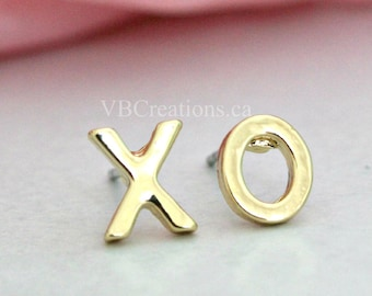 XO Earrings - Kiss and Hug - Kiss & Hug - Symbol - Social Networks - Symbols - Studs Earrings - Silver - Gold - Tiny Earrings - Friend Gift