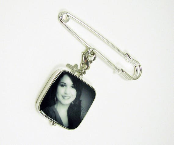Boutonniere Pin with a Dad charm and a photo memorial charm - Large