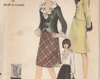 60s Suit & Blouse Pattern Vogue 6556 Size 12 Uncut