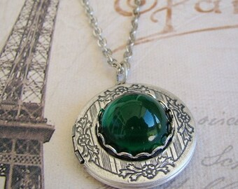 Silver Emerald Green  Locket Valentines Day Wedding Bride Bridesmaid Mother Wife Sister Daughter Anniversary Gem Photo Pictures - Kacey