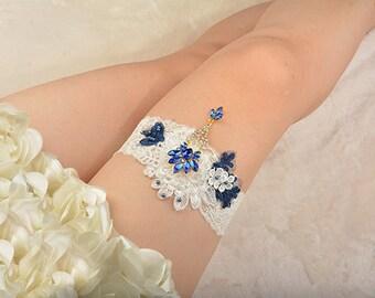 white lace bridal garter, wedding garter, bride garter , lace garter, rhinestone beaded floral garter,pendant garter