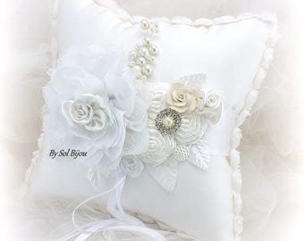 Ring Bearer Pillow,Wedding Pillow,White Ring Pillow,Satin Ring Pillow,Brooch,Elegant Wedding,White Wedding,Crystals,Pearls,Vintage Style