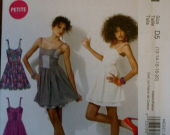 McCall's M6561 Misses/Miss Petite Dress Sewing Pattern New/Uncut Size  12-14-16-18-20