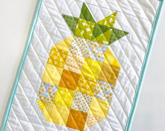 Stand Tall Pineapple Wall Hanging - Mini Quilt - Wall Hanging - Room Decor - Quilted Art - Patchwork Pineapple