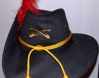 Union Cavalry black felt Civil War hat.size 7,gold cord hat band,metal gold cross sabers of the CAV.red feather, US flag patch to flare.