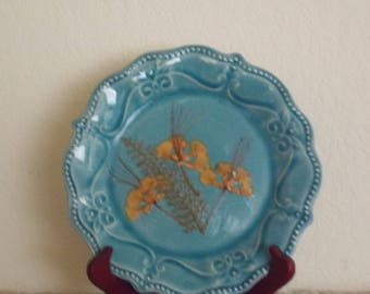 Plate with stand, Nature, with pressed flowers