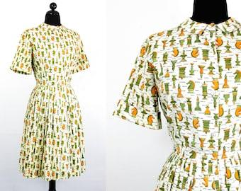 Vintage 1950s dress . Checkmate . novelty print dress . chess piece print . 50s / 60s shirtwaist dress . lg / xl