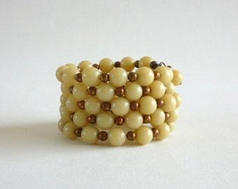 1960s Cream Beaded Wrap Bracelet