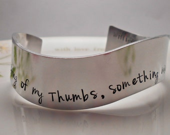 Shakespeare Jewelry|Something Wicked this way Comes|William Shakespeare|Macbeth Quote|Wavy Bracelet|Shakespeare Bracelet|Gifts for her.