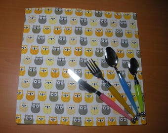 Yellow owls - machine washable and lined, napkin for child